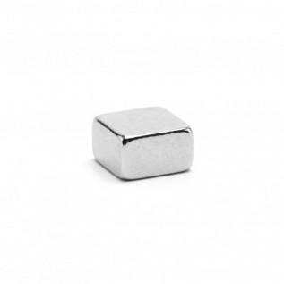 Неодимовый магнит квадрат 5х5х3 мм сила сцепления: 0,73 кг