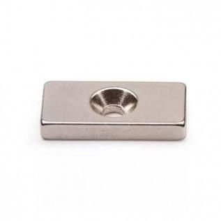 Неодимовый магнит призма 20х10х3 мм с зенковкой 3/6.5 мм сила сцепления: 3 кг