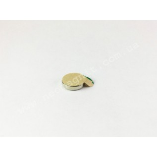 Неодимовый магнит диск D10*H2 мм с клеевым слоем