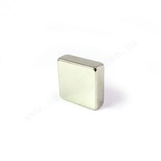 Неодимовый магнит - квадрат D20*D20*H5